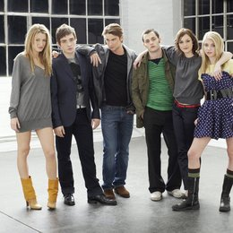 Gossip Girl / Blake Lively / Leighton Meester / Taylor Momsen / Chace Crawford / Penn Badgley / Ed Westwick Poster