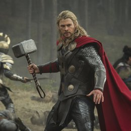 "Chris Hemsworth in ""Thor - The Dark World"" Poster"