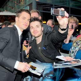 "Premiere von ""Star Trek"" in Berlin / Chris Pine Poster"