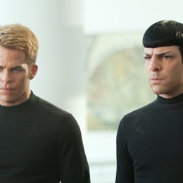 Star Trek Into Darkness / Chris Pine / Zachary Quinto Poster