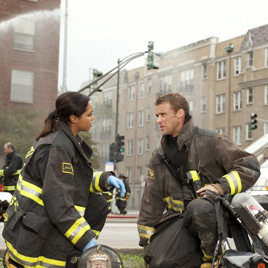 Chicago Fire / Chicago Fire (1. Staffel) / Jesse Spencer / Monica Raymund Poster