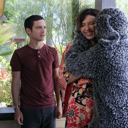 Wilfred / Elijah Wood / Jason Gann / Mary Steenburgen Poster
