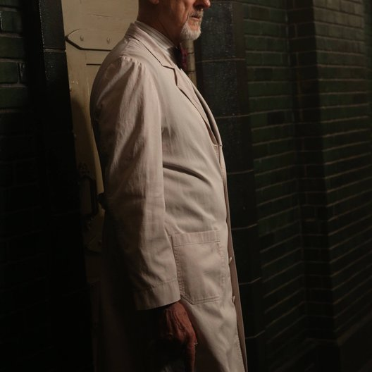 American Horror Story: Asylum / James Cromwell Poster