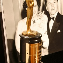 "Special Juvenile Award für Judy Garland 1939 / Ausstellung ""and the Oscar went to..."" Academy of Motion Picture Arts and Sciences, Beverly Hills 2003 Poster"