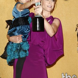 Aubrey Anderson-Emmons / Julie Bowen / 18th annual Screen Actor Guild Awards / SAG Award 2011 Poster