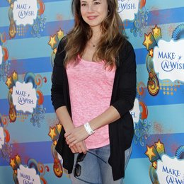 Cardellini, Linda / Make-a-Wish Foundation Host - A Day of Fun at the Santa Monica Pier Poster