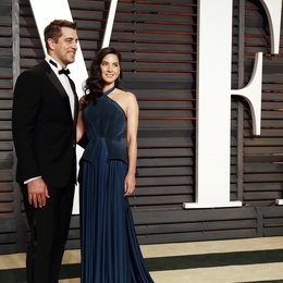 Rodgers, Aaron / Munn, Olivia / Vanity Fair Oscar Party 2015 Poster