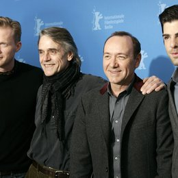 61. Filmfestspiele Berlin 2011 / Berlinale 2011 / Paul Bettany / Jeremy Irons / Kevin Spacey / Zachary Quinto Poster