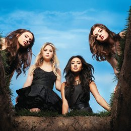 Pretty Little Liars / Pretty Little Liars (01. Staffel, 22 Folgen) / Troian Avery Bellisario / Shay Mitchell Poster