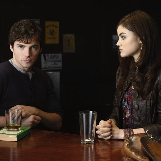Pretty Little Liars / Pretty Little Liars (01. Staffel, 22 Folgen) / Ian Harding / Lucy Hale Poster