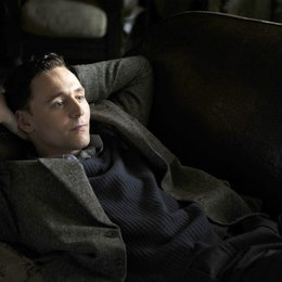 Deep Blue Sea, The / Tom Hiddleston Poster