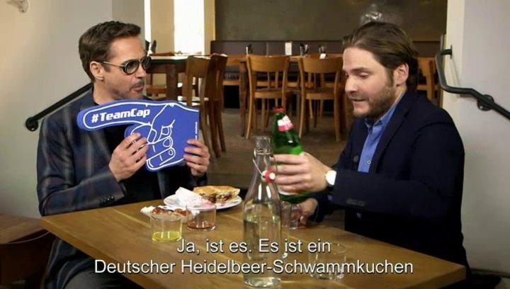 Robert Downey Jr Gets A Taste Of Berlin - Sonstiges Poster