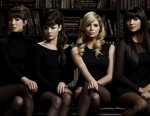 "Pretty Little Liars Staffel 7 Folge 3 Review: ""The Talented Mr. Rollins"" (Spoiler!)"