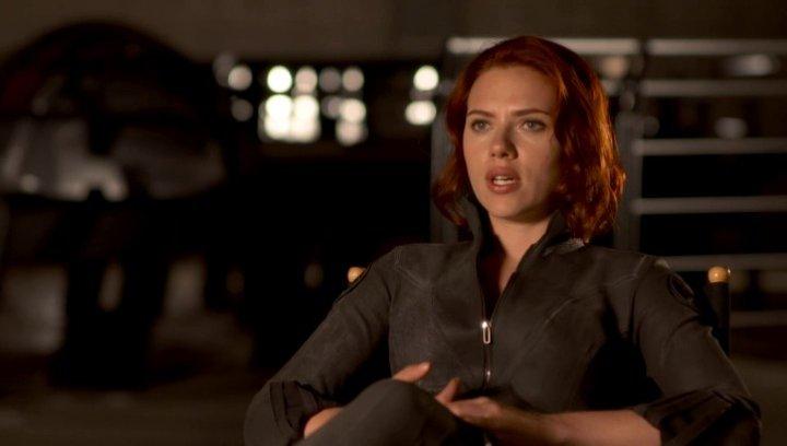 Scarlett Johansson - Natasha Romanoff - Black Widow über Regisseur Joss Whedon - OV-Interview Poster