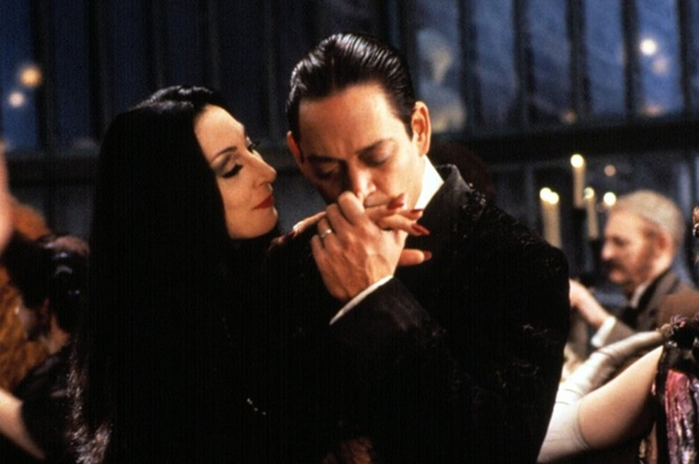 12-reasons-gomez-and-morticia-addams-have-the-lov-2-22428-1439482857-8_dblbig