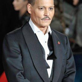Fans sorgen sich wegen aktuellem Bild um Johnny Depp!