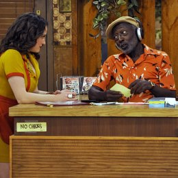 2 Broke Girls / Kat Dennings / Garrett Morris Poster