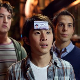 21 & Over / 21 and Over / Miles Teller / Justin Chon / Skylar Astin Poster