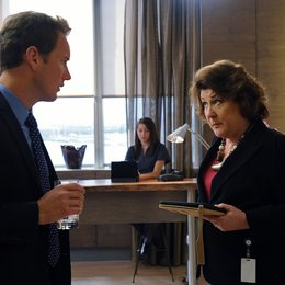 Gifted Man, A / Patrick Wilson / Margo Martindale Poster