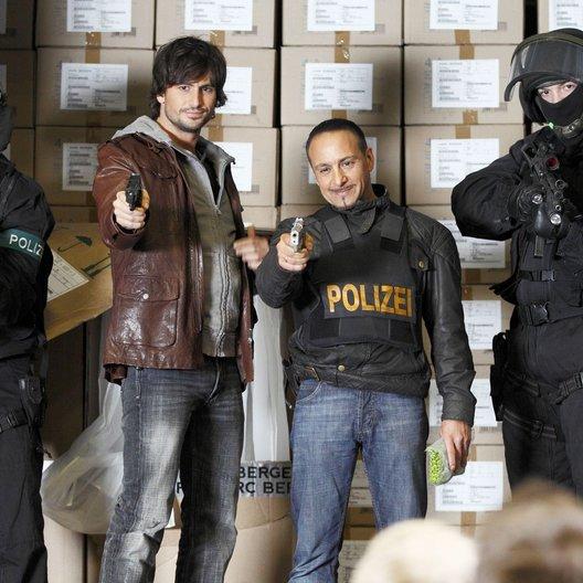 Alarm für Cobra 11 - Die Autobahnpolizei (19. Drehstaffel, 8 Folgen) (RTL) / Tom Beck / Erdogan Atalay Poster