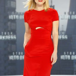 Alice Eve / Filmpremiere Star Trek Into Darkness Poster