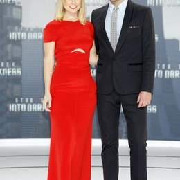 Alice Eve / Zachary Quinto / Filmpremiere Star Trek Into Darkness Poster