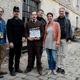 Andreas Berger, Simon Hatzl (als Polizeichef Strametz), Hauptdarsteller Florian Teichtmeister, Andreas Prochaska sowie Isabelle Welter und Kurt Stocker von Dor Film (v.l.) Poster