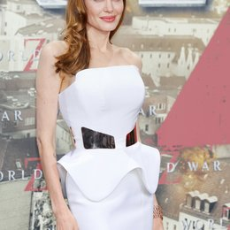 "Angelina Jolie / Filmpremiere ""World War Z"" Poster"
