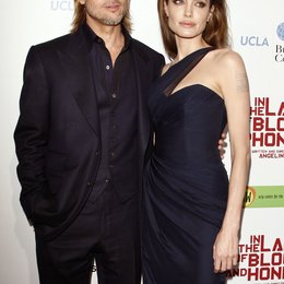 "Brad Pitt / Angelina Jolie / Filmpremiere 'In the Land of Blood and Honey"" Poster"
