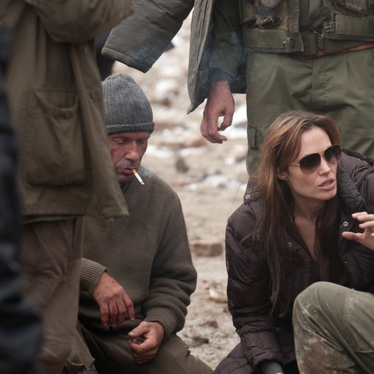 In the Land of Blood and Honey / Set / Angelina Jolie