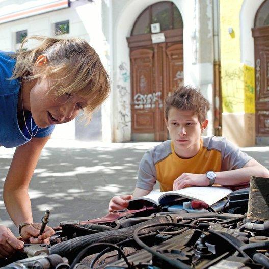 Mein Schüler, seine Mutter & ich (Sat.1) / Anica Dobra / Joel Basman