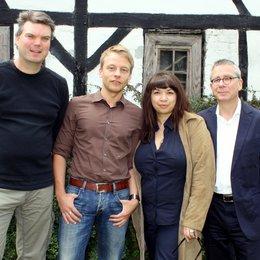 Thomas Durchschlag, WDR-Redakteur Jochen Randig, Anita Elsani und Fernsehfilmchef Gebhard Henke Poster