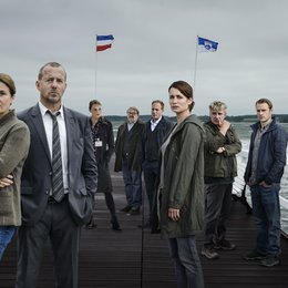 Tod eines Mädchens (ZDF) / Barbara Auer / Heino Ferch / Anja Kling / Anna Unterberger / Jörg Schüttauf / Gustav Peter Wöhler / Hinnerk Schönemann / Johann von Bülow Poster