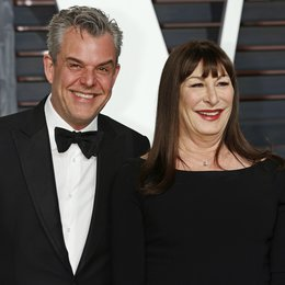 Huston, Danny / Huston, Anjelica / Vanity Fair Oscar Party 2015 Poster