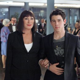 Smash / Anjelica Huston / Nick Jonas Poster