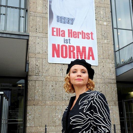Schleuderprogramm (ZDF) / Annette Frier Poster