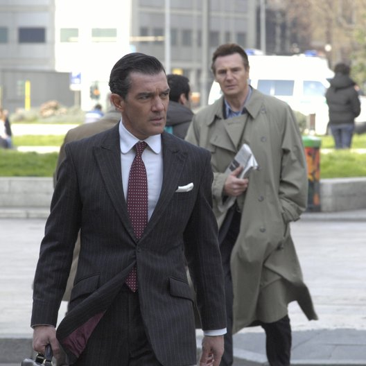 Andere, Der / Antonio Banderas / Liam Neeson Poster