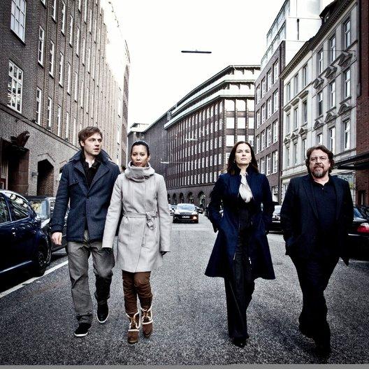 Nachtschicht: Geld regiert die Welt (ZDF) / Barbara Auer / Christoph Letkowski / Armin Rohde / Minh-Khai Phan-Thi Poster