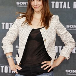 "Aylin Tezel / Filmpremiere ""Total Recall"" Poster"