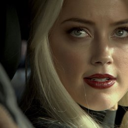 3 Days to Kill / Amber Heard Poster