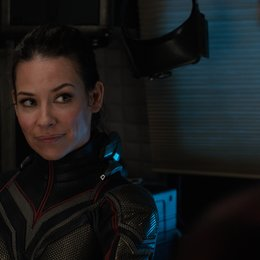 Marvel Studios ANT-MAN AND THE WASP  The Wasp/Hope van Dyne (Evangeline Lilly)  Photo: Film Frame  ©Marvel Studios 2018 Poster