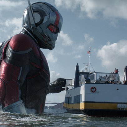 Marvel Studios ANT-MAN AND THE WASP  Giant-Man/Scott Lang (Paul Rudd)  Photo: Film Frame  ©Marvel Studios 2018 Poster