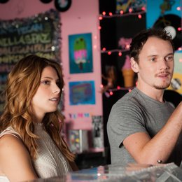 Burying the Ex / Ashley Greene / Anton Yelchin Poster