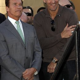 Schwarzenegger, Arnold / Moeller, Ralf / Hollywood Walk of Fame Star for James Cameron, 2009 Poster