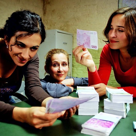Liebe auf Kredit (Sat.1) / Ilknur Boyraz / Barbara Philipp / Henriette Heinze Poster