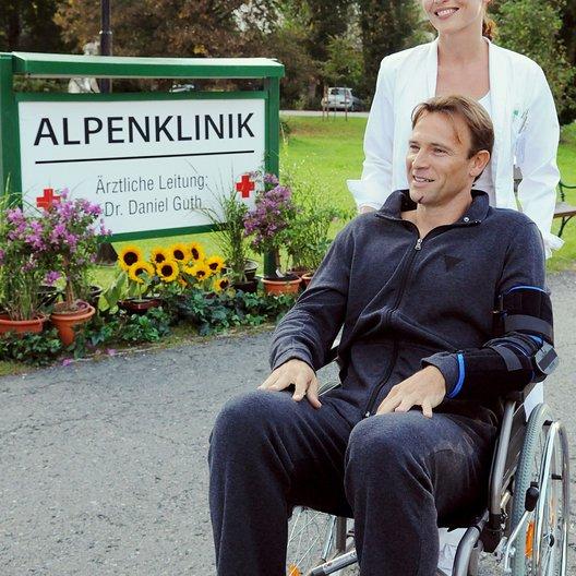 Alpenklinik: Liebe heilt Wunden, Die (ARD) / Bernhard Bettermann / Beate Maes Poster