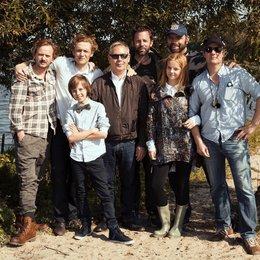 Milan Peschel, Matthias Schweighöfer, Arved Friese, Willi Geike, Dan Maag, Paula Hartmann, Torsten Künstler und Bernhard Jasper (v.l.) Poster