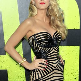 "Blake Lively / Filmpremiere ""Savages"" Poster"