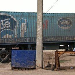 Bottled Life - Das Geschäft mit dem Wasser / Bottled Life - Nestlés Geschäfte mit dem Wasser Poster