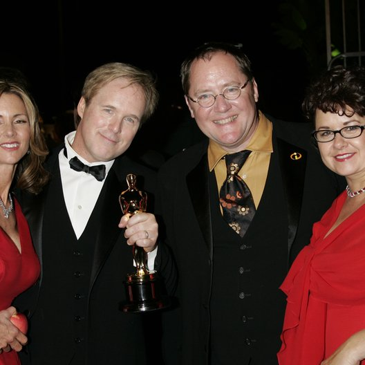 Vanity Fair Oscar Party 2005 / Oscar 2005 / Brad Bird mit Frau und John Lasseter mit Frau Poster